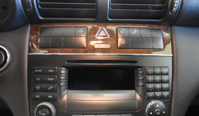MERCEDES-BENZ C 220 CDI CLASSIC CAMBIO AUTOMATICO